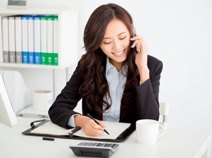 cách nói chuyện với khách hàng qua điện thoại